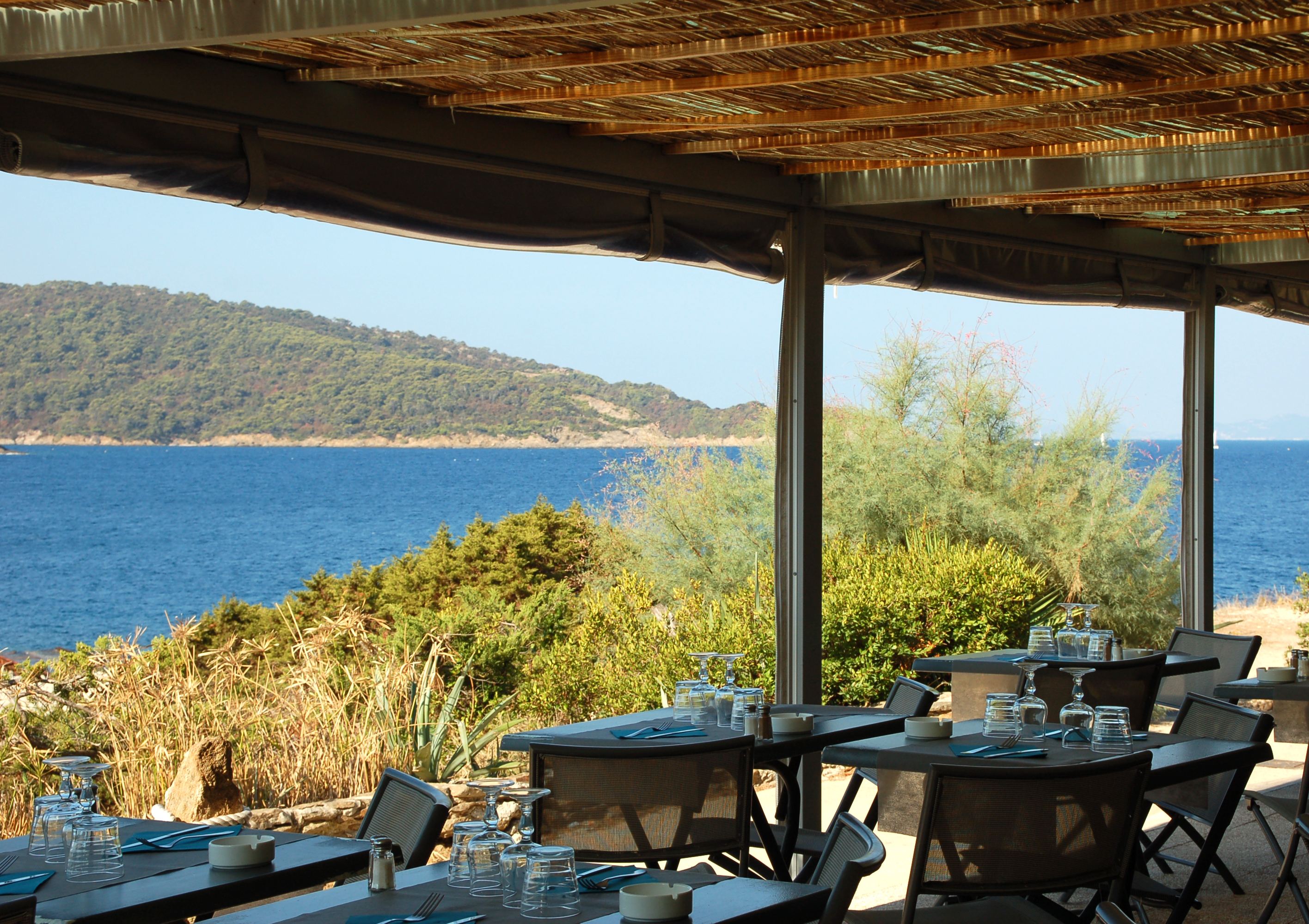 Restaurants office de tourisme d 39 hy res porquerolles for Port cros chambre d hotes