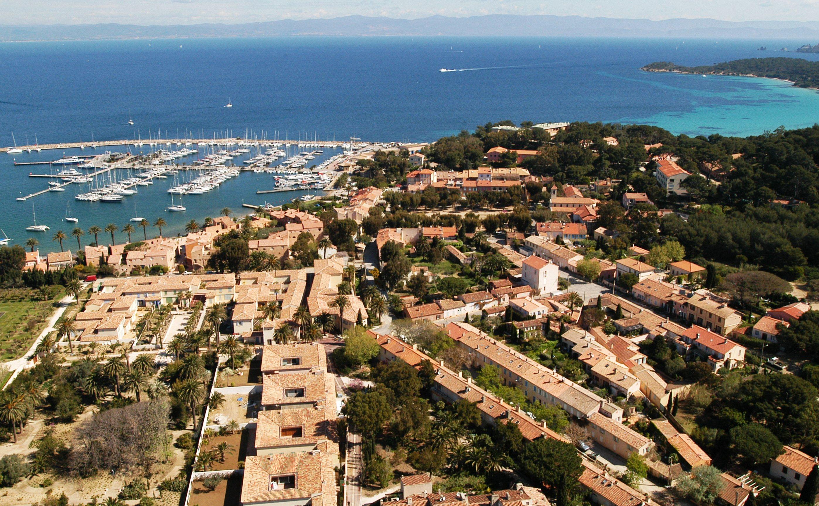 Le port de porquerolles office de tourisme d 39 hy res - Office du tourisme ile de porquerolles ...