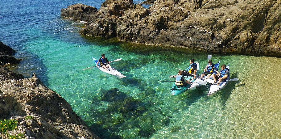 kayak et canoe en groupe a porquerolles