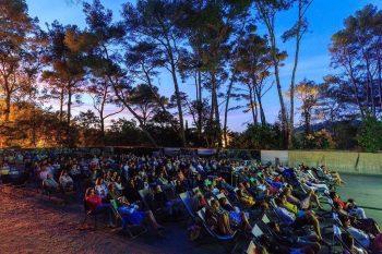 Cinéma plein air à la Villa Carmignac