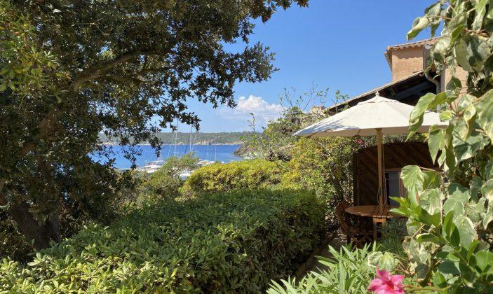 Location de vacances à Port-Cros – le nid Mr et Mme Silbermann