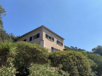 Location de vacances à Port Cros – T3 villa rose Silbermann