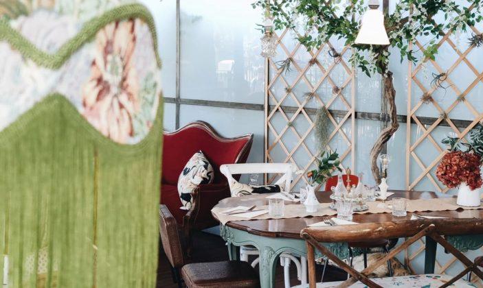 La salle – restaurant de curiosités