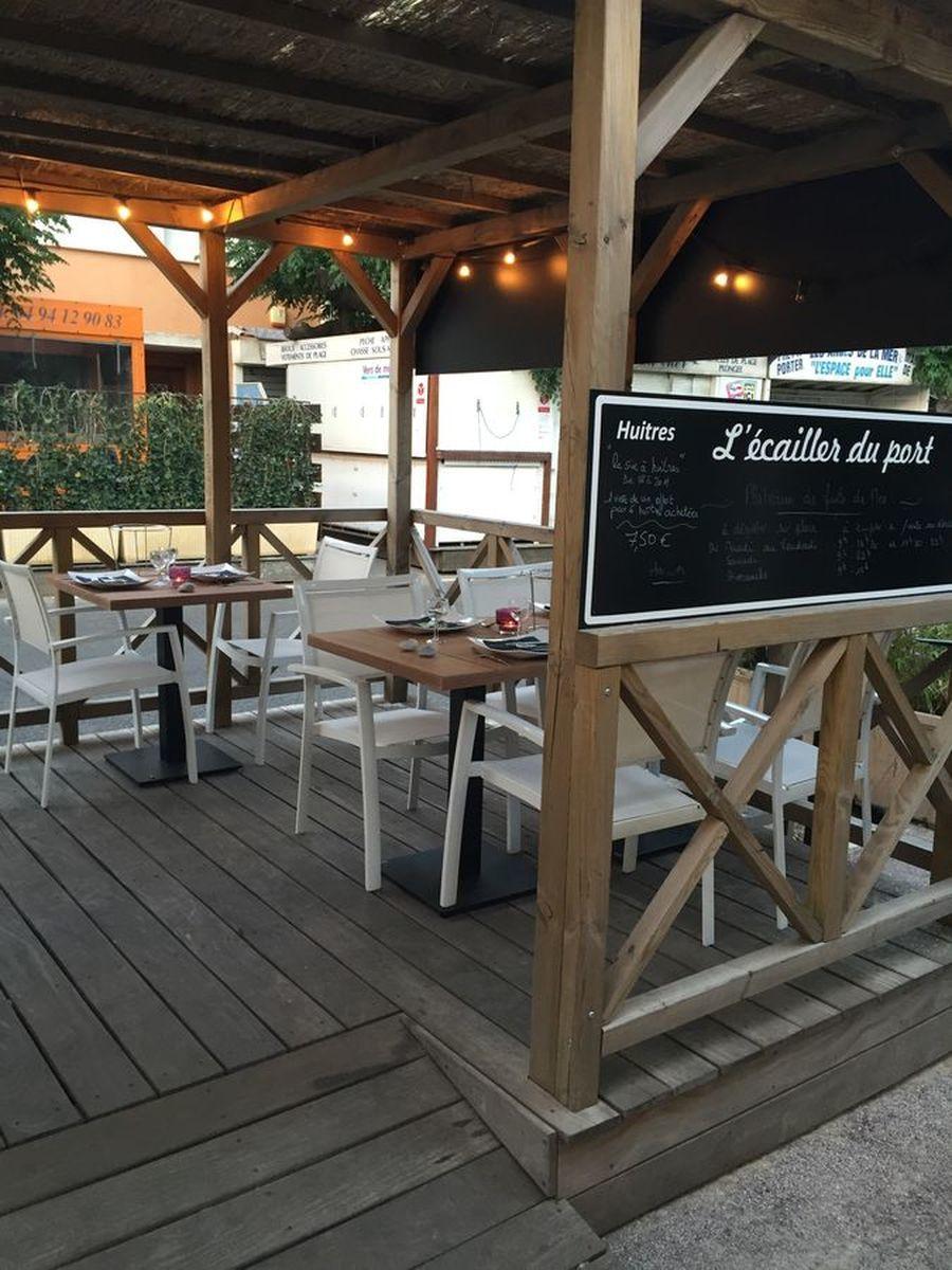 L 39 ecailler du port carqueiranne restaurant office de tourisme d 39 hy res porquerolles port - Restaurant carqueiranne port ...