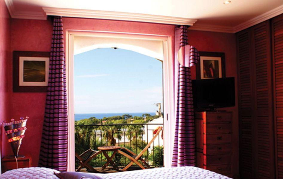 val d 39 azur carqueiranne chambre d 39 h tes office de tourisme d 39 hy res porquerolles port. Black Bedroom Furniture Sets. Home Design Ideas