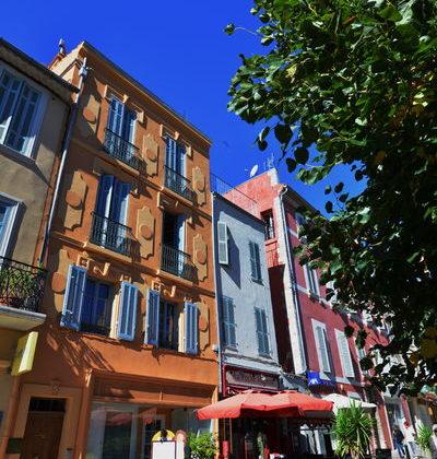 place république hyères patrimoine visite au fil du temps provence histoire