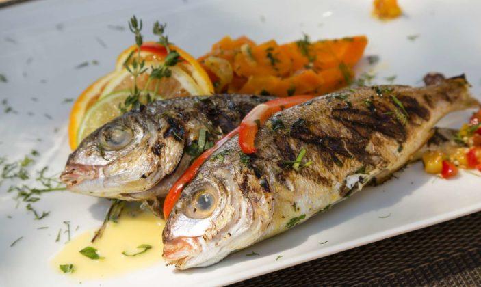 restaurant hyeres barbecue giens mer hotel provencal