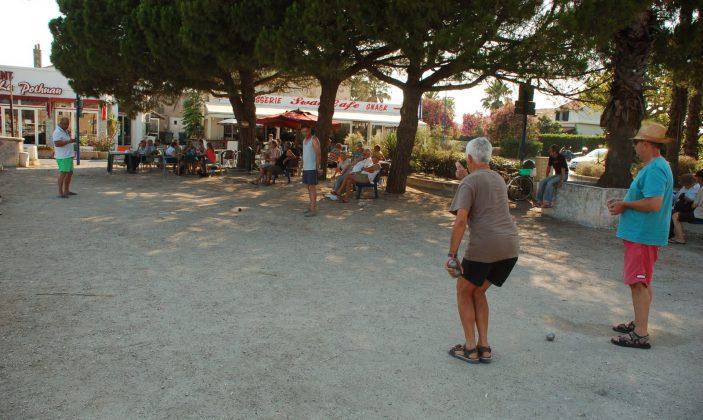 restaurant hyeres salins brasserie port plage mer