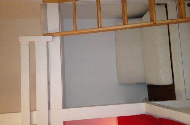 Appartement location île Porquerolles centre village Mme Thomas