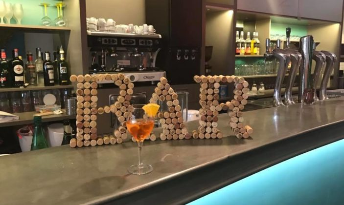restaurant hyeres port bar à tapas