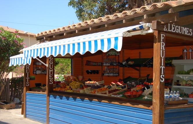 Vente fruits et légumes île Porquerolles village