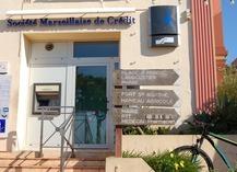 Distributeur Automatique de Billets Banque Porquerolles