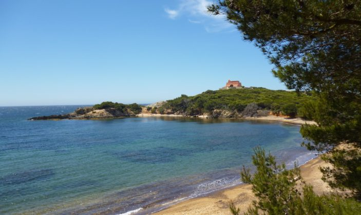 La plage noire du Langoustier – île de Porquerolles – Hyères