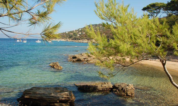 La plage des Grottes – Naturiste – ile du Levant – Hyeres