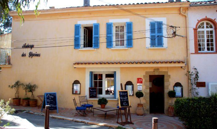 Hôtel Auberge les Glycines Ile de Porquerolles Village Parc National
