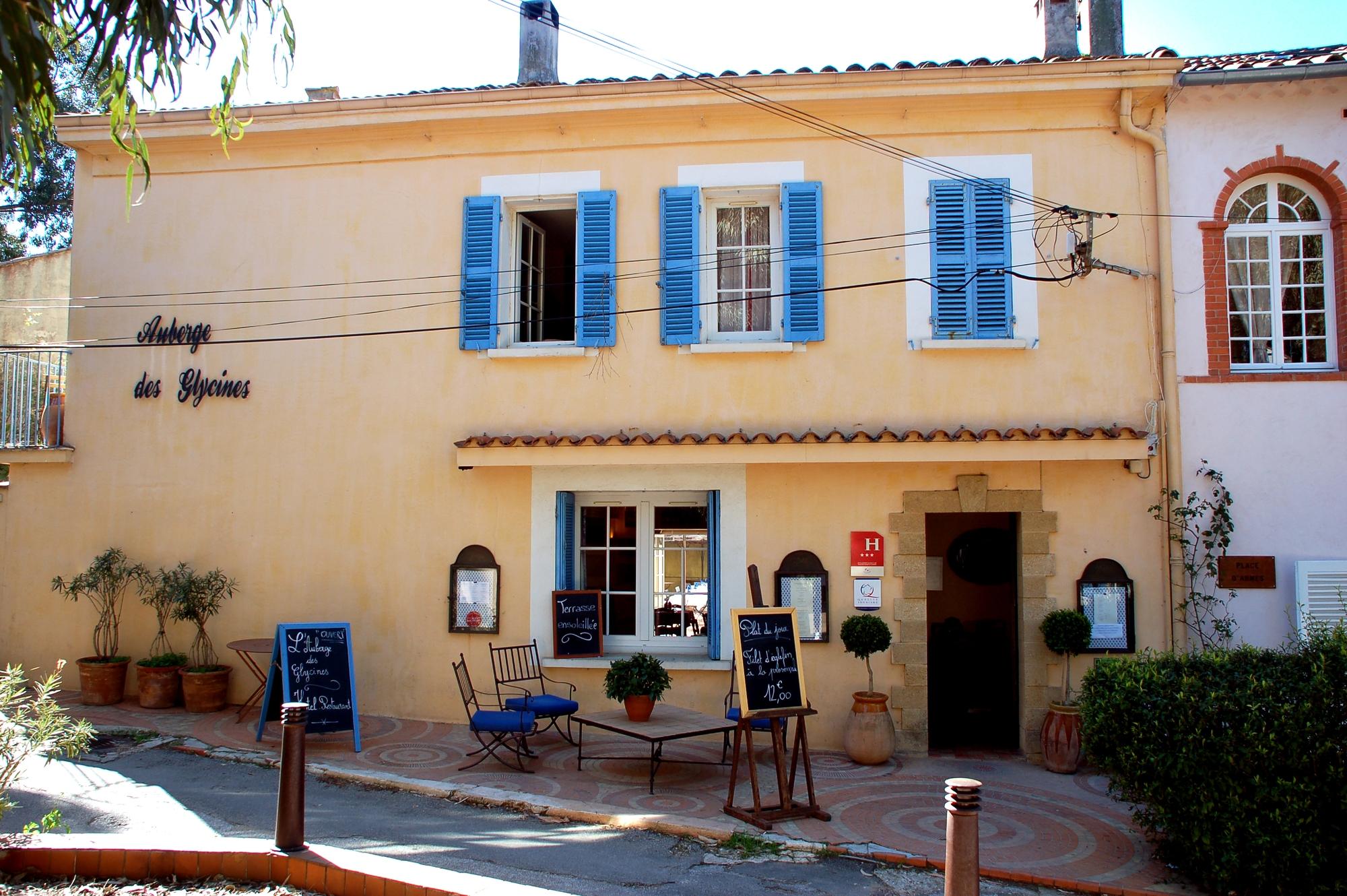 Auberge les glycines hy res h tel restaurant 3 - Office du tourisme ile de porquerolles ...