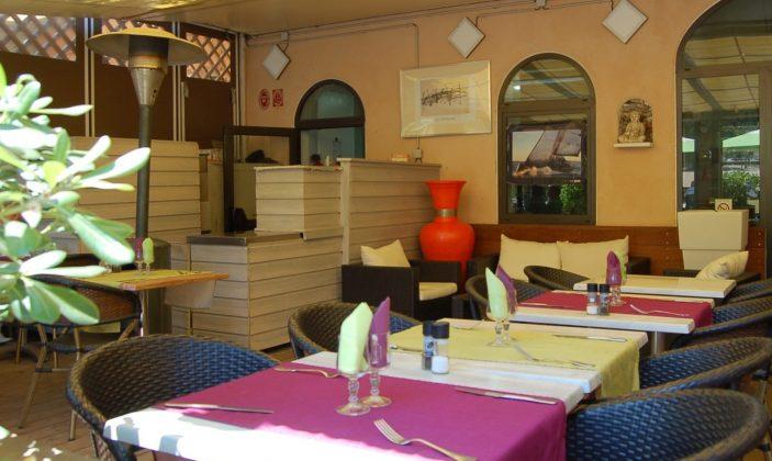 Restaurant L'Arche de Porquerolles Place du village Ile de Porquerolles Parc National