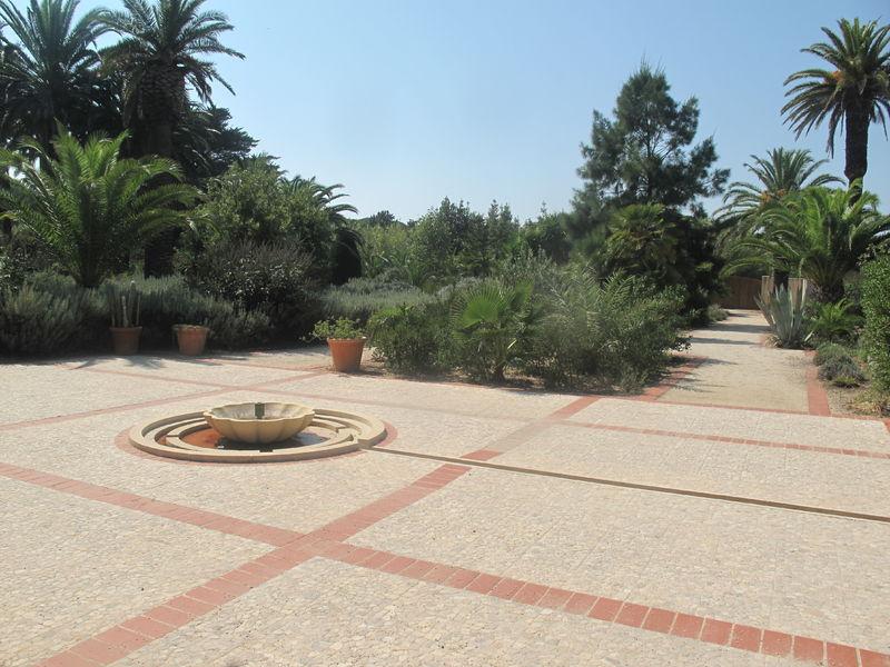 Jardin emmanuel lopez hy res patrimoine culturel for Au jardin d emmanuel