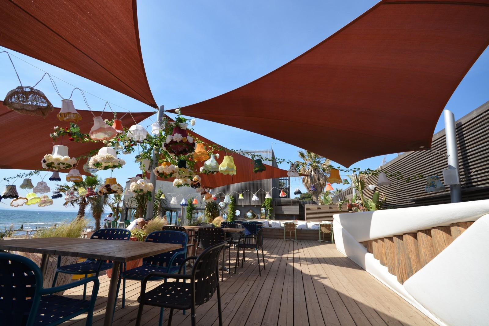 le marais hy res restaurant hy res tourisme. Black Bedroom Furniture Sets. Home Design Ideas
