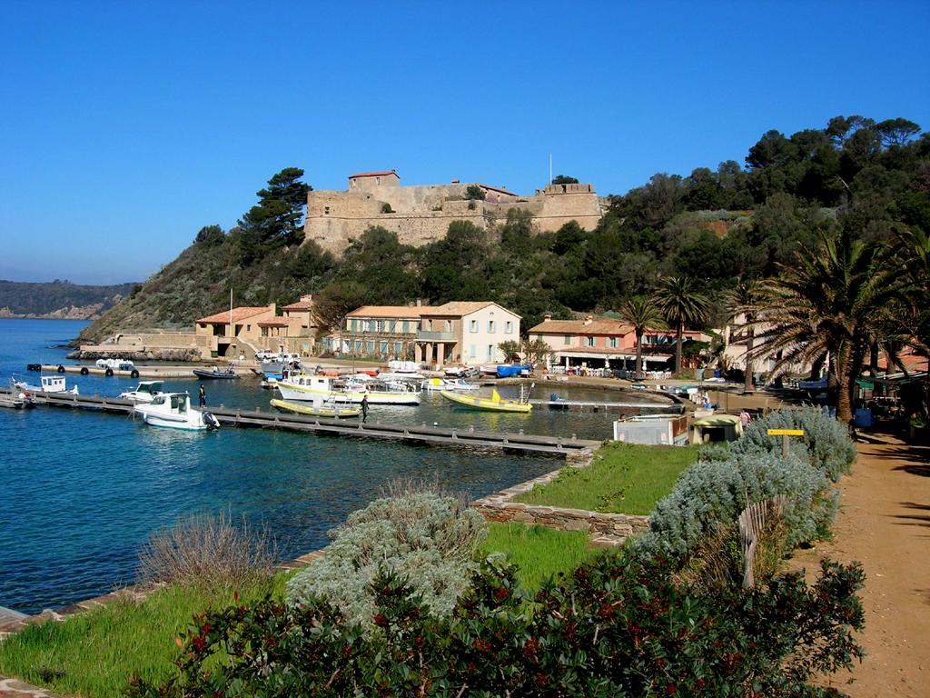 Fort du moulin hy res hy res tourisme - Le port du moulin champtoceaux ...