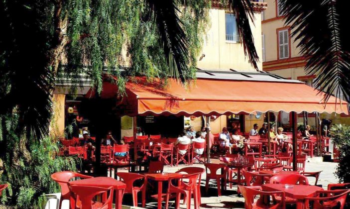 Bar Côté Port île de Porquerolles