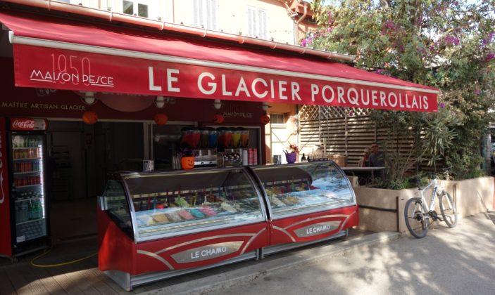Le Chamo Sandwichs Pizza à emporter Place du Village Ile de Porquerolles Parc National