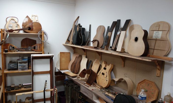 Gael Fourdrin artisan luthier a hyeres parcours des arts