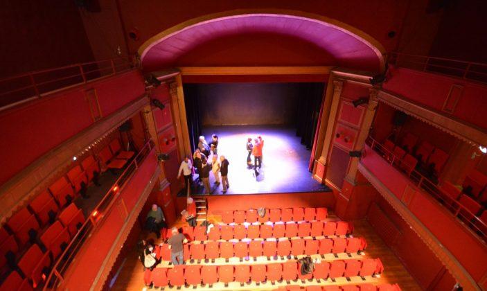 Hyères Théâtre Denis
