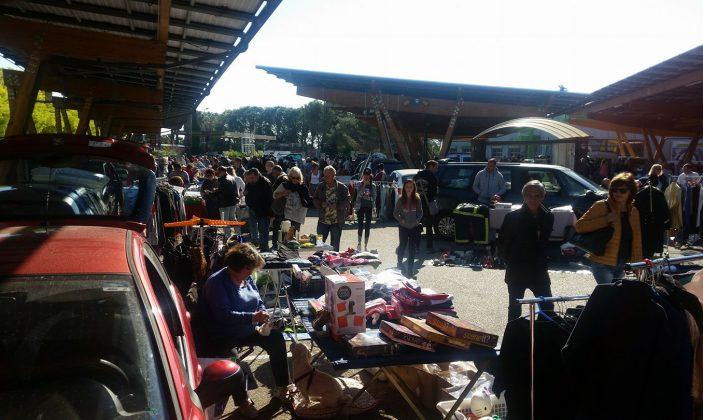 Vide grenier Hyères Centr'Azur
