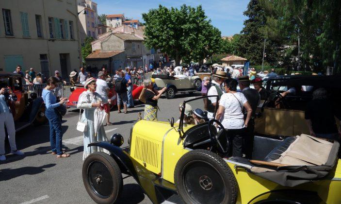 Animations Giens 1900 – défilé costumé et voitures anciennes