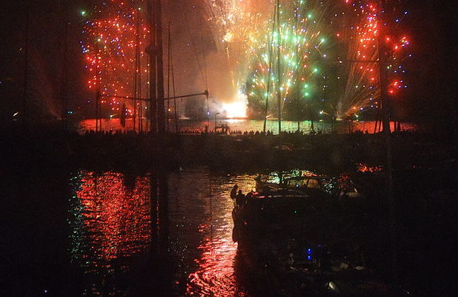 feux d'artifices Hyères Port