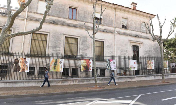 Une exposition sur les grilles de l'ancienne banque de France, avant les travaux