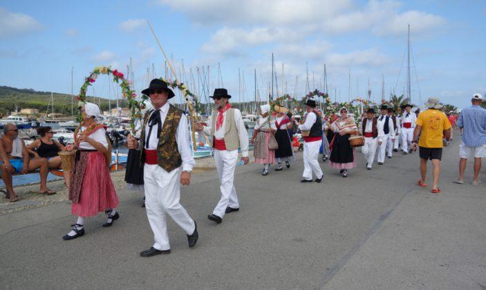 Fête de la Sainte Anne, Messe provençale, Aubades, Marché artisanal, concours de boules, Bénédiction, apéritif