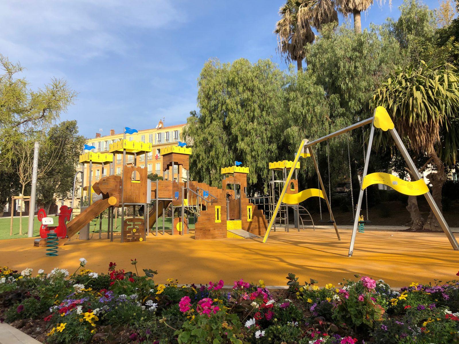 Jeux Du Jardin Denis A Hyeres Hyeres Tourisme