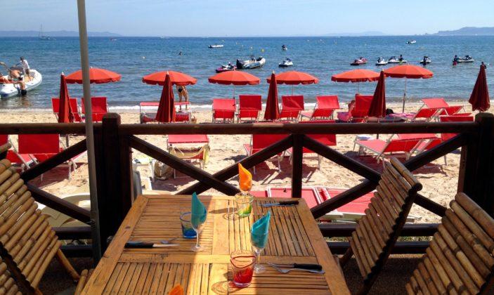 Restaurant les pieds dans l'eau à la Capte (camping eurosurf)