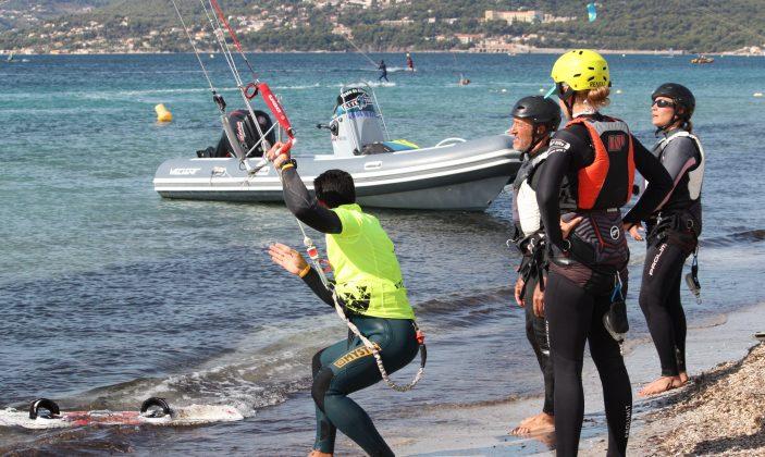Cours de kitesurf en vent d'EST