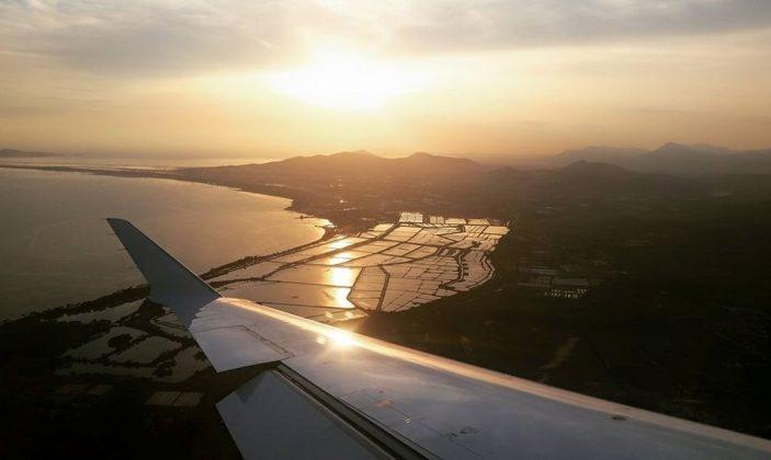 Aéroport Toulon-Hyères vue aérienne