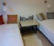 2e chambre / Second bedroom (beds can also be put together)