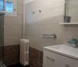 Salle de bain avec douche / Modern bathroom with shower