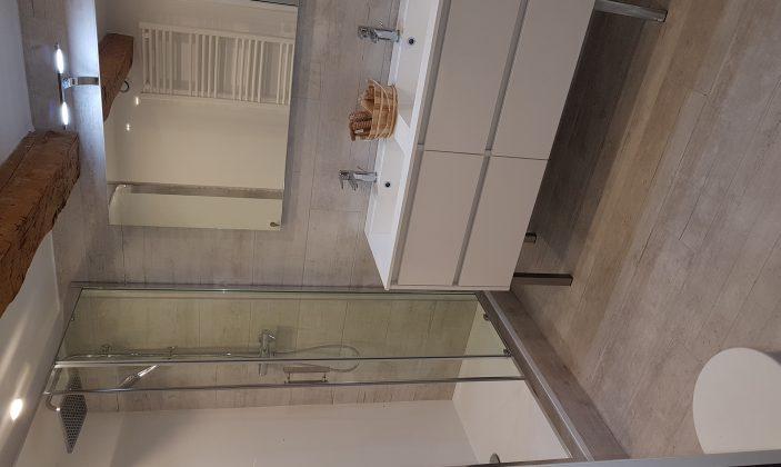 Salle d'eau Rez-de-jardin T4 – La Bastide de Charlotte – H192