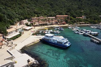 Compagnie maritime TLV : Port-Cros au départ du Port d'Hyères