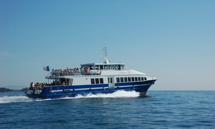 Navette au départ du port de Hyères pour Port Cros / Tlv Tvm