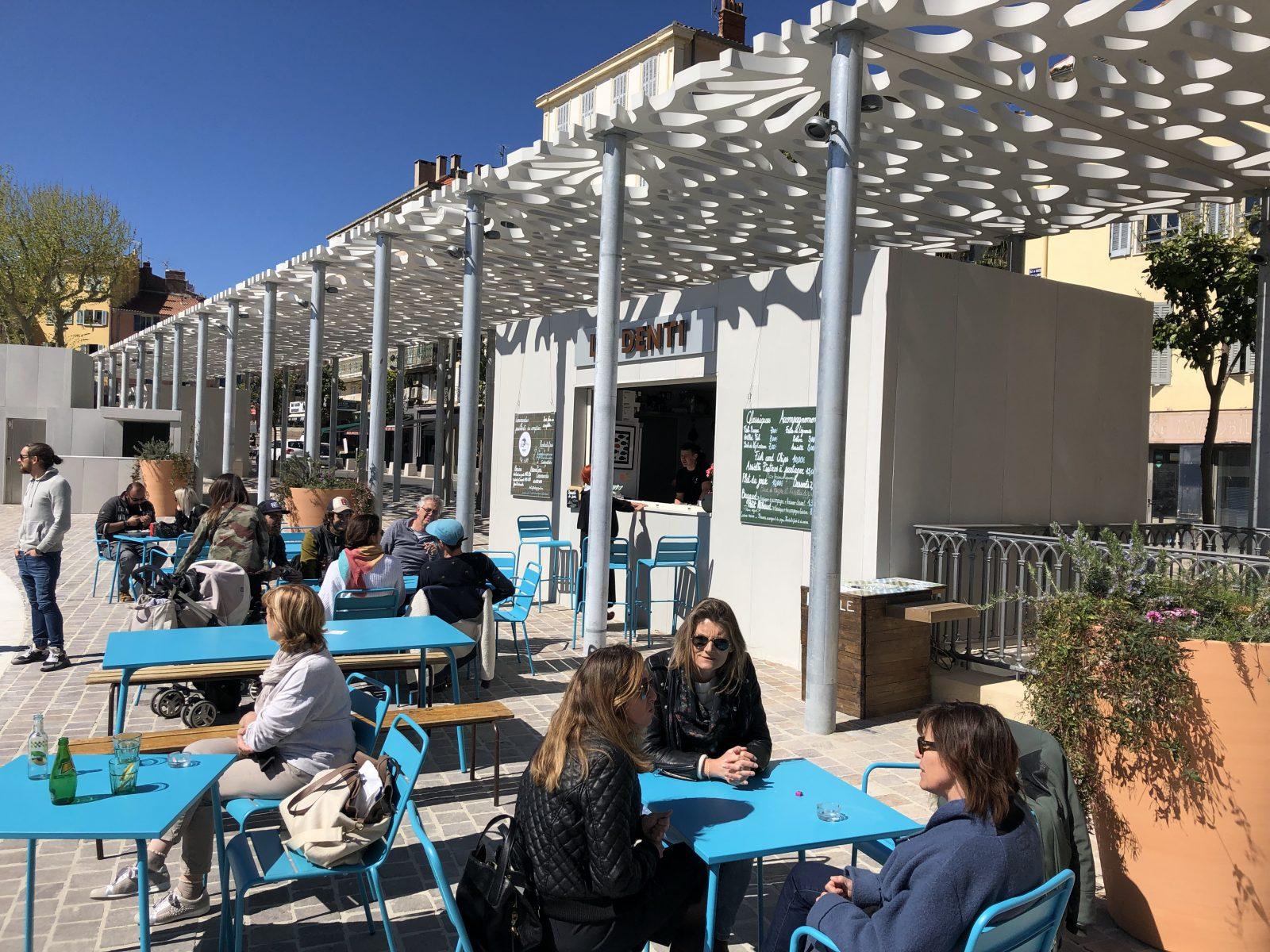 restaurant spécialité poisson Hyeres centre ville