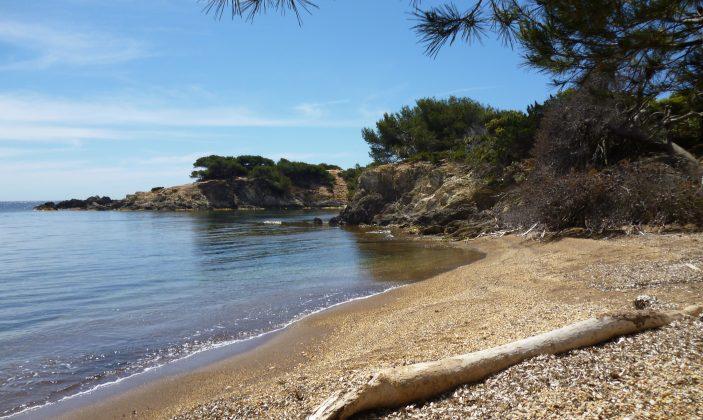 La plage noire du Langoustier