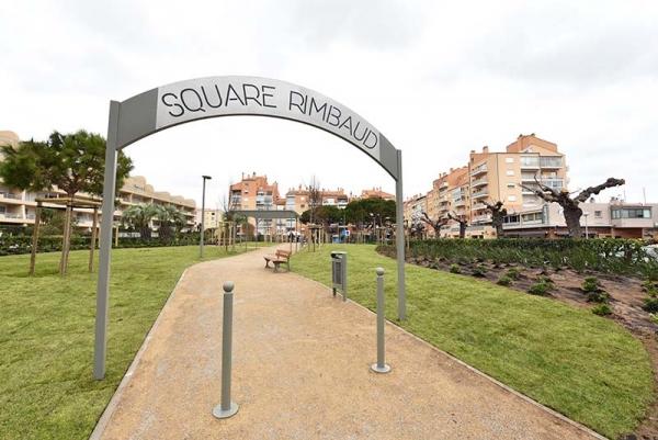 square Rimbaud jeux pour enfant Hyeres Port
