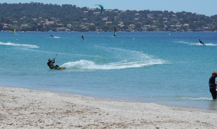 Kitesurf dans la Baie d'Almanarre
