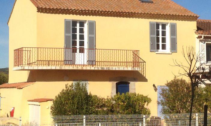 Premier étage maison avec balcon