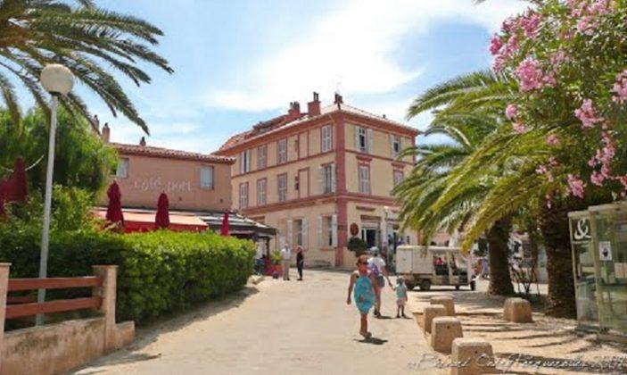 Location Duplex Porquerolles Vue mer Mme Moret