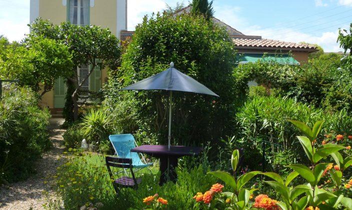 jardin et espace gazon