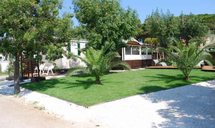 camping hyeres pins maritimes l'ayguade mer plage
